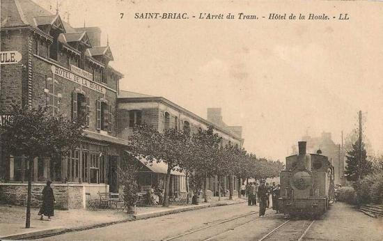 tram-la-houle-saint-briac.jpg